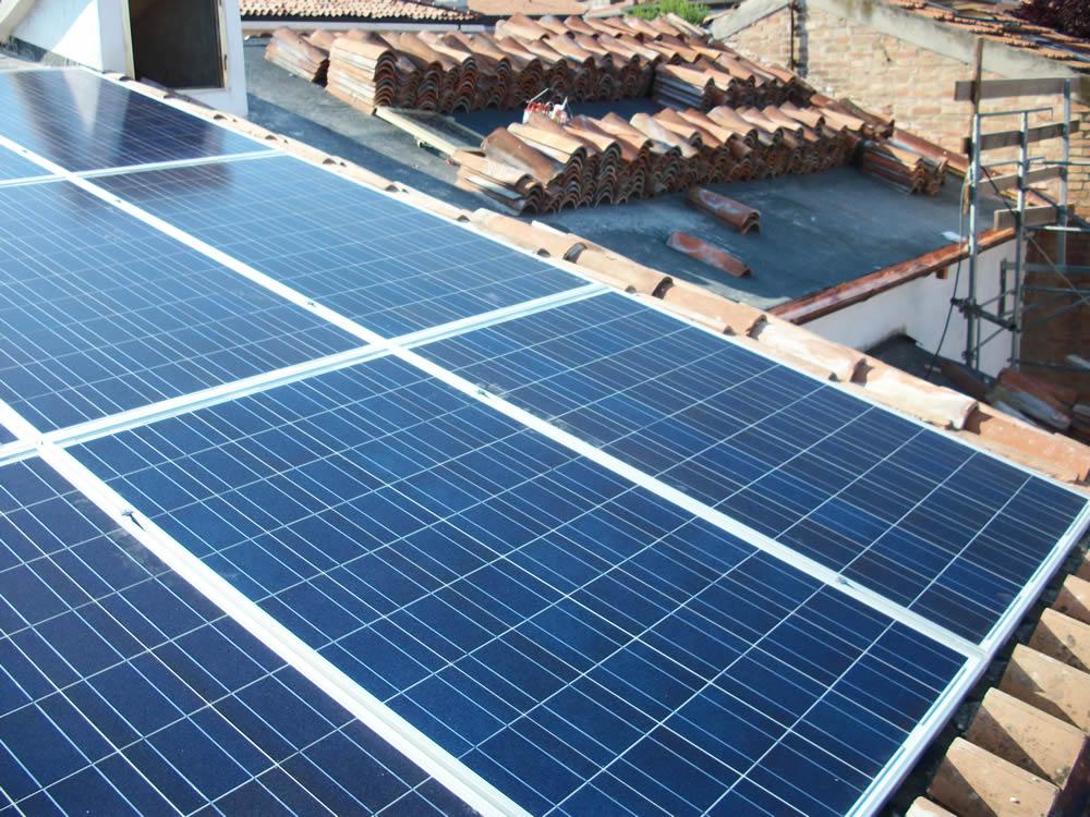 """<div class=""""at-above-post-arch-page addthis_tool"""" data-url=""""http://www.verdi.ferrara.it/sito/2011/03/01/appello-per-le-energie-rinnovabili/""""></div>In questa settimana sidecidono le sorti del fotovoltaico e dell'eolico in Italia, con l'approvazione in Consiglio dei ministri di una legge che di fatto chiude tutti e due i settori […]<!-- AddThis Advanced Settings above via filter on get_the_excerpt --><!-- AddThis Advanced Settings below via filter on get_the_excerpt --><!-- AddThis Advanced Settings generic via filter on get_the_excerpt --><!-- AddThis Share Buttons above via filter on get_the_excerpt --><!-- AddThis Share Buttons below via filter on get_the_excerpt --><div class=""""at-below-post-arch-page addthis_tool"""" data-url=""""http://www.verdi.ferrara.it/sito/2011/03/01/appello-per-le-energie-rinnovabili/""""></div><!-- AddThis Share Buttons generic via filter on get_the_excerpt -->"""