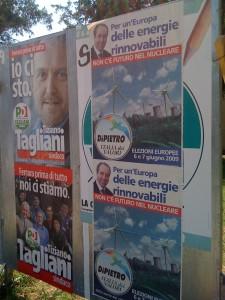 """L'italia dei Valori """"sbaglia"""" spazio e occupa la postazione dei Verdi"""